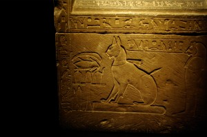 Sarcophagus_of_Prince_Thutmose's_cat_by_Madam_Rafale